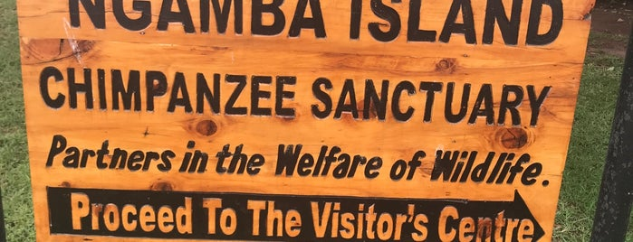 Ngamba Island Chimpanzee Sanctuary is one of Orte, die Alex gefallen.