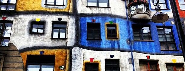 Hundertwasserhaus is one of Autriche.