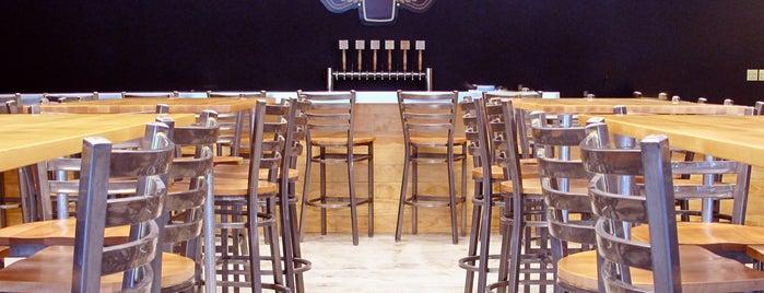 Veterans United Craft Brewery is one of McKenzie 님이 좋아한 장소.