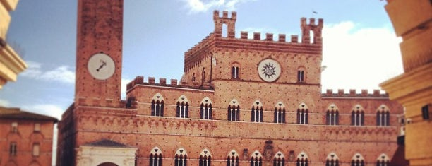 Piazza del Campo is one of Siena.