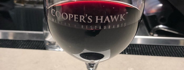 Cooper's Hawk Winery & Restaurant is one of Locais curtidos por Andre.