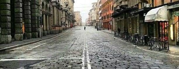 Via Rizzoli is one of Posti che sono piaciuti a Antonino.