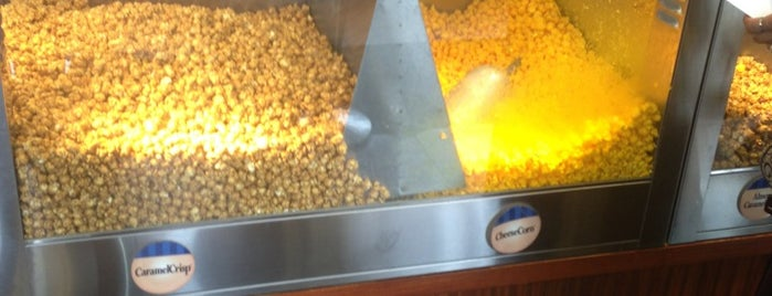Garrett Popcorn Shops is one of Posti salvati di Nikkia J.