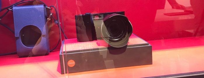 Leica Store is one of Lieux sauvegardés par Javier.