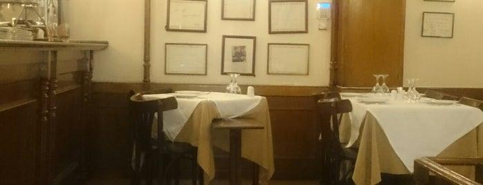 Το Καφενείο is one of Tasos 님이 좋아한 장소.