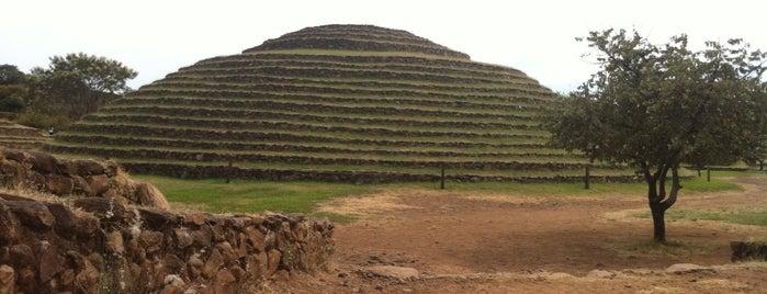 Zona Arqueologica Guachimonton is one of Tempat yang Disukai laura.