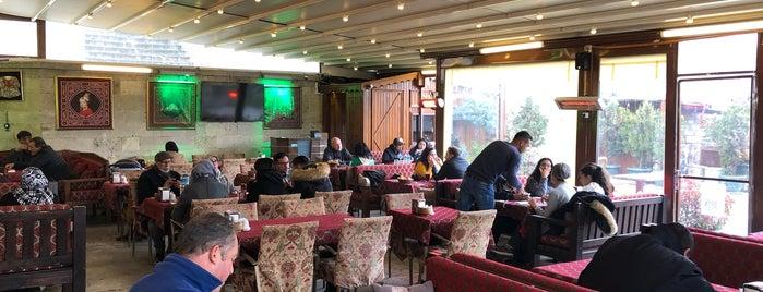 Arasta Cafe Restaurant is one of Özgürさんのお気に入りスポット.