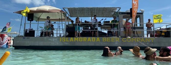 Islamorada Sand Bar is one of Bo'nun Kaydettiği Mekanlar.