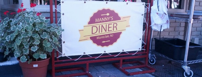 Manny's Diner is one of Lugares guardados de Lizzie.