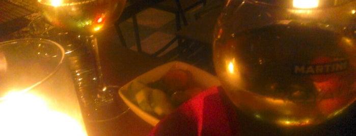 Sky Garden Lounge Bar is one of Lugares favoritos de Pete.