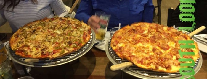 Aurelio's Pizza - Chicago-South Loop is one of Mirko 님이 저장한 장소.