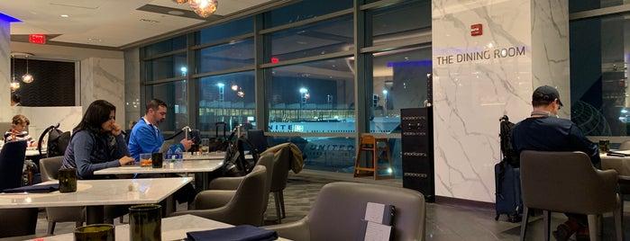 United Polaris Lounge is one of Alejandro'nun Beğendiği Mekanlar.