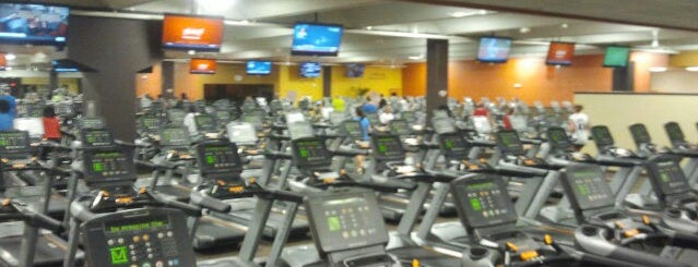 Xperience Fitness Brookfield is one of Sandyさんのお気に入りスポット.