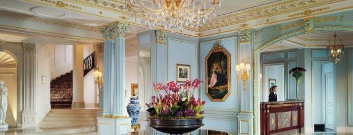 Four Seasons Hotel des Bergues Geneva is one of 🕊 Fondation : понравившиеся места.