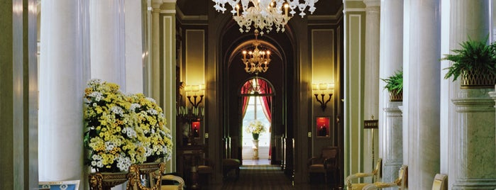 Villa d'Este is one of 🕊 Fondation 님이 좋아한 장소.