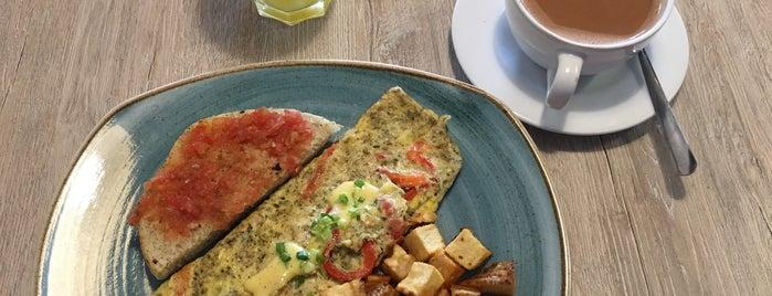 La Brioche Cafe is one of Lugares favoritos de Yolis.