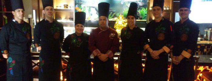 Bushido Teppanyaki & Sushi Lounge is one of Tempat yang Disukai Nora.