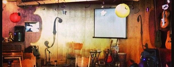 Soulfood Coffeehouse is one of สถานที่ที่ Oksana ถูกใจ.