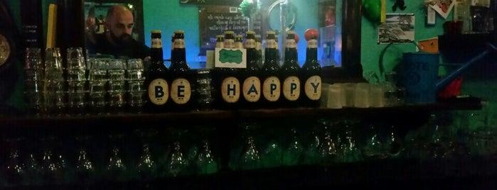 Be Happy Bar is one of conèixer gràcia.