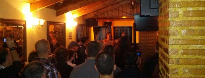 Finn's Tavern is one of metal bar.
