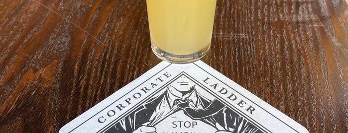 Corporate Ladder Brewing Company is one of สถานที่ที่บันทึกไว้ของ Ben.
