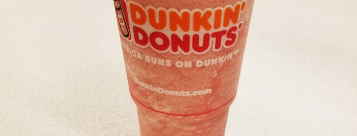 Dunkin' is one of สถานที่ที่ Megan ถูกใจ.
