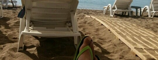 River Garden Beach Club is one of Locais curtidos por Princessa.
