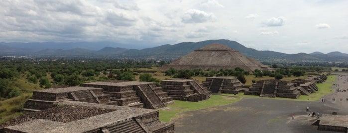 Zona Arqueológica de Teotihuacán is one of Teotihuacán Mágico.
