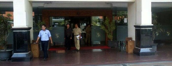 Sekretariat Daerah Kota Surabaya is one of Government of Surabaya and East Java.