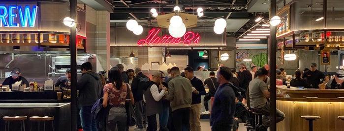 Block 16 Urban Food Hall is one of Do: Vegas ☑️.