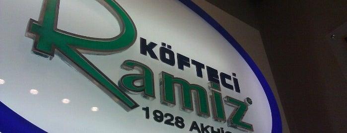 Köfteci Ramiz is one of สถานที่ที่ Özge ถูกใจ.