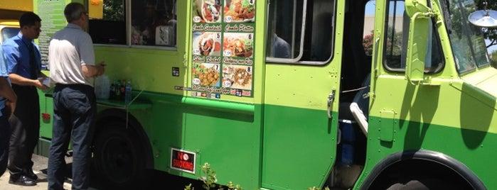 Halal Grill is one of Washington DC Food Trucks.