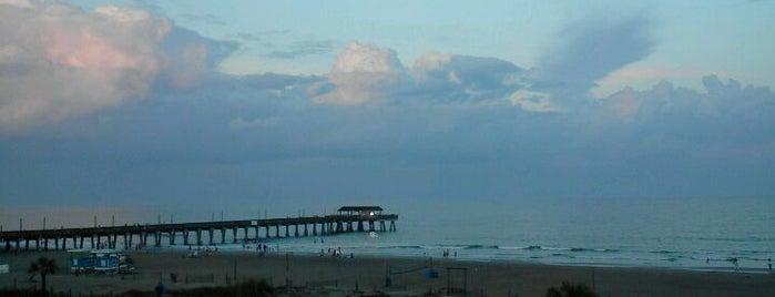 Fannies On The Beach is one of Tempat yang Disimpan Charles.