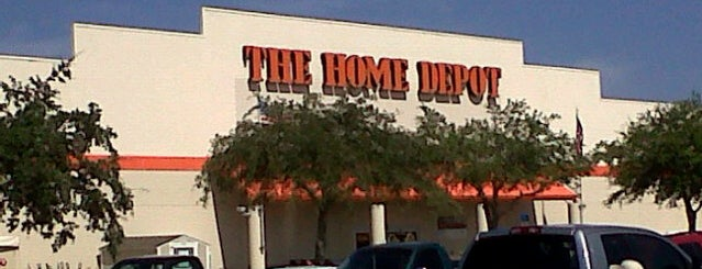 The Home Depot is one of Posti che sono piaciuti a Gavin.