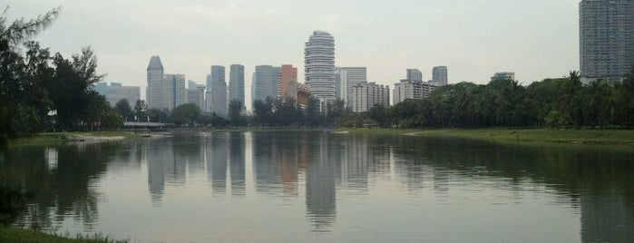 Kallang River is one of Posti che sono piaciuti a Ian.