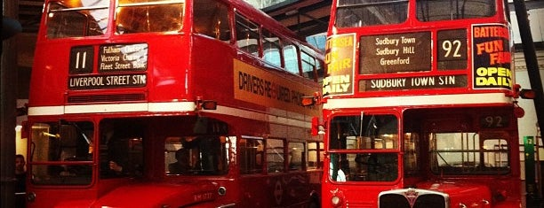 London Transport Museum is one of Tempat yang Disimpan kazahel.