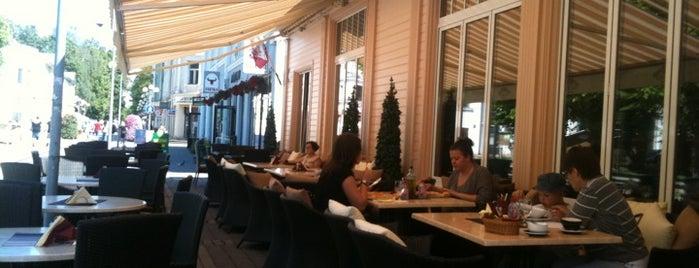 Majorenhoff | Restaurant is one of Tempat yang Disukai Nihat.