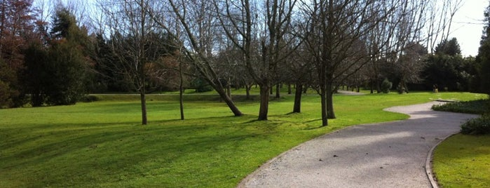 Parque Jorge Alessandri is one of Locais curtidos por Oliver.