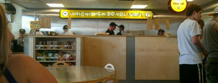 Which Wich? Superior Sandwiches is one of Lieux qui ont plu à Alan.