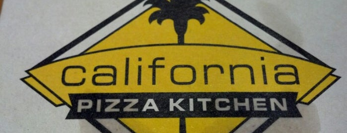 California Pizza Kitchen is one of Lugares guardados de David.