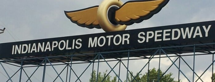Indianapolis Motor Speedway is one of Posti che sono piaciuti a Charles.