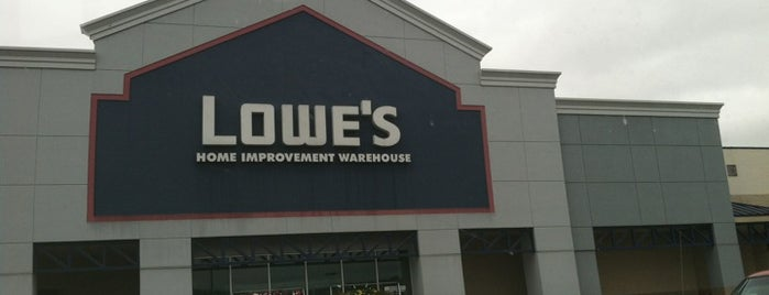Lowe's is one of Jayさんのお気に入りスポット.