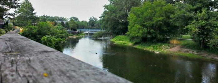 Elkhart Riverwalk is one of Lieux qui ont plu à Vivek.