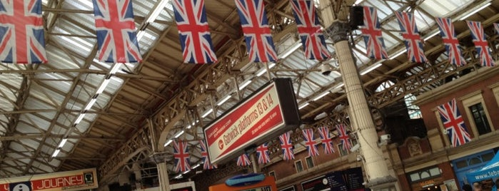 London Victoria Railway Station (VIC) is one of Info.