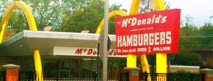 McDonald's Store #1 Museum is one of Places to visit in the US of A!.