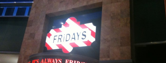 TGI Friday's is one of Lugares favoritos de Elva.