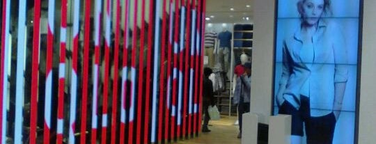 UNIQLO is one of TOKYO Shopping.
