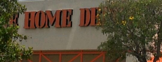 The Home Depot is one of Kyle 님이 좋아한 장소.