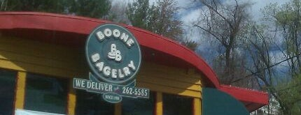 Boone Bagelry is one of Posti che sono piaciuti a Kyle.