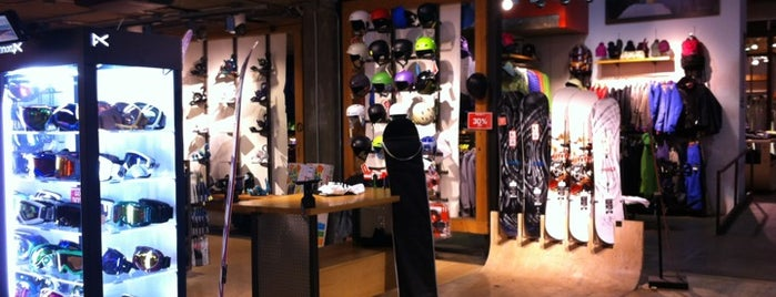 Burton Snowboards & Channel Islands Surfboards is one of mylifeisgorgeus in Los Angeles.